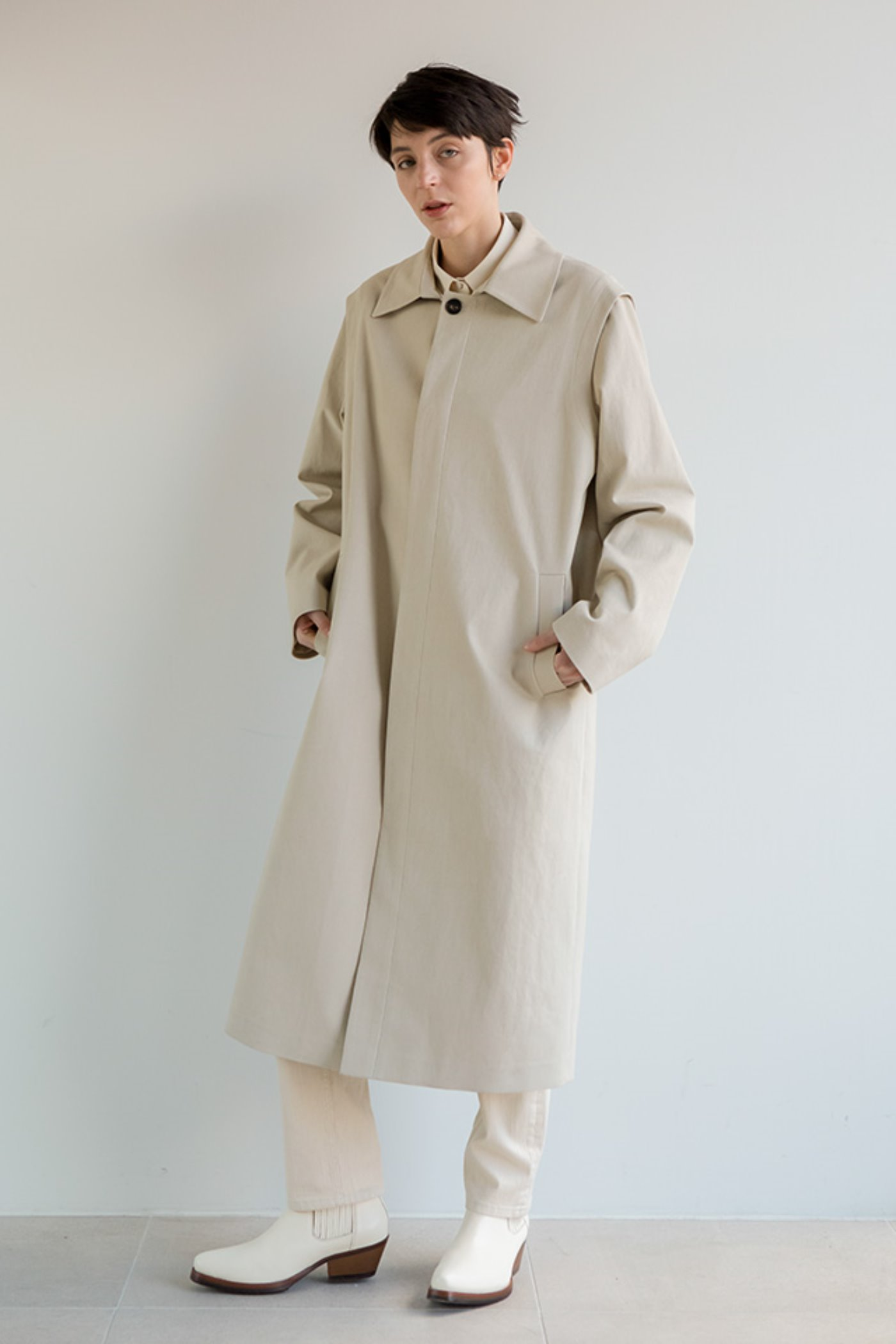 Shoulder flying single coat (Beige)  [Unisex]