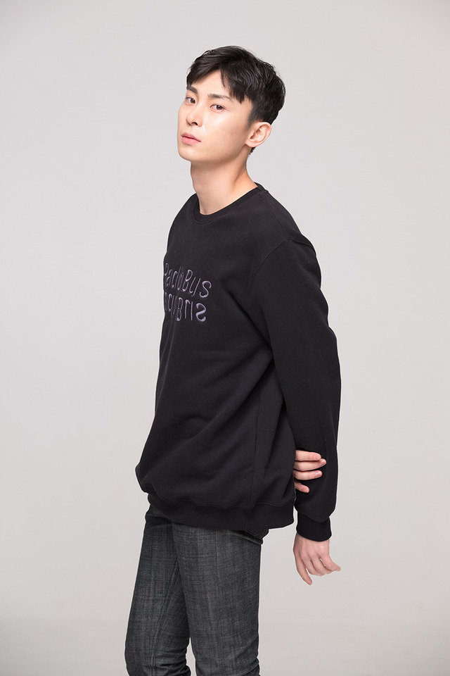 Radio bus sweat shirt (Black) #C7S7Wts-020