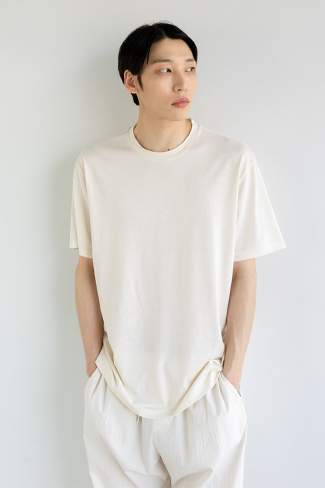 Silk cutting t-shirt (Cream)  [Unisex]